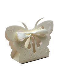 Gift Box / Cream butterfly favour box. 6.5x10x3cm
