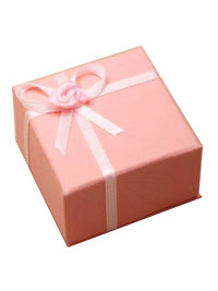 Gift Box / Gift box with satin ribbon detail in Pink.