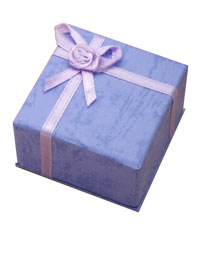 Gift Box / Gift box with satin ribbon detail in Lilac