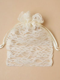 Clearance / 22x15cm Cream lace drawstring bag