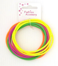 Bangle / Card of 12 neon coloured gummy bangles.