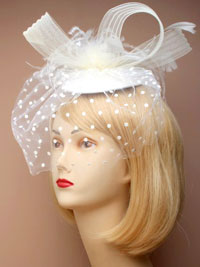 Fascinator / Bridal - Cream Hatinator with feathers.