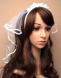 headdress / White rosebud aliceband with white veil.