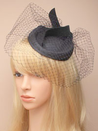 Hatinator / Ivy - Black hatinator with with black net.