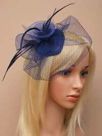 Fascinator / Paige - Small navy skull cap fascinator.