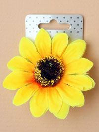 Clip / Large fabric sunflower on a forked clip.