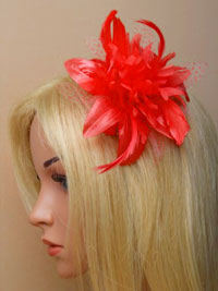 Fascinator / Molly - Coral feather flower fascinator.