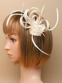 Fascinator / Oriel - Ivory Looped hessian net and feathers.