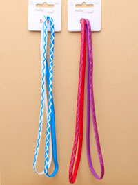 Elastics / Card of 2 bright coloured long stretch elastics.