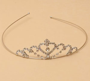 Tiara / Rhodium plated Crystal heart tiara.