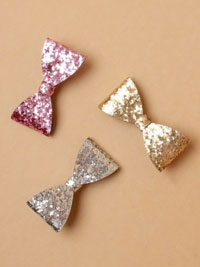 Beak Clip / 6.5cm Sequin bow on a beak clip.