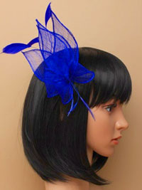 Fascinator / Cassie - Looped sinamay and feather/comb