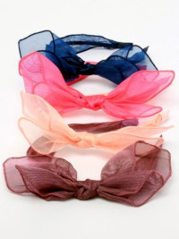 Aliceband / Soft lightweight fabric knotted bow aliceband.