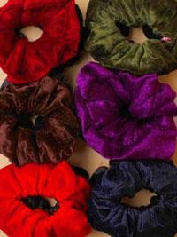 Scrunchie / 2pk Large Velvet.Black and a colour