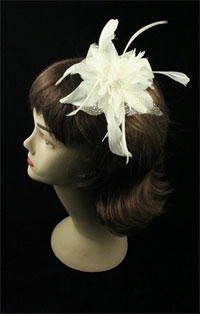 Fascinator / Molly - Cream Feather Flower fascinator.