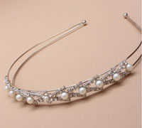 Aliceband / Tiara. Vintage Plated crystal and pearl bead ali